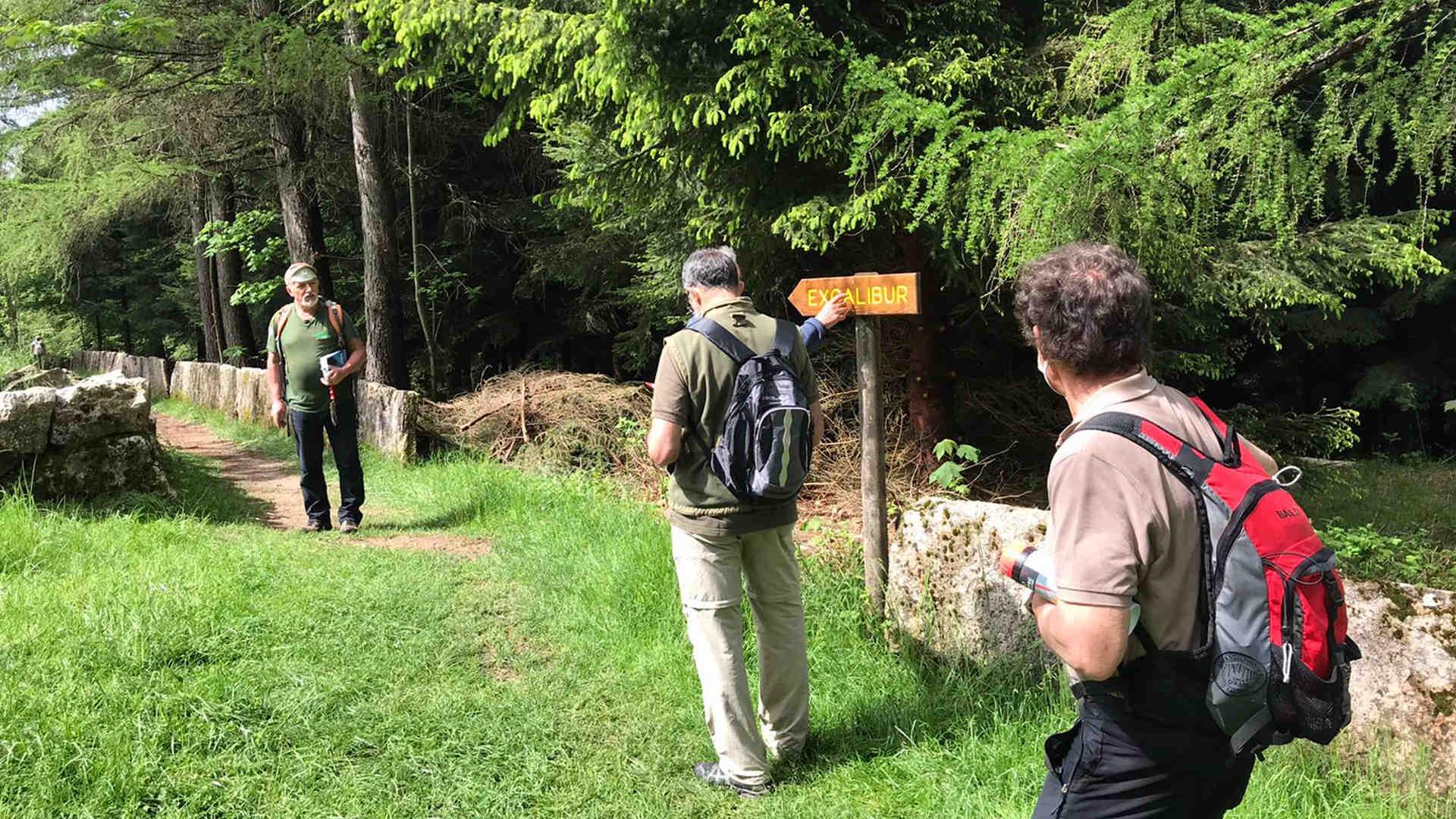 Volontari sul sentiero Excalibur di Tonezza