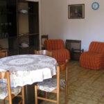 Salotto-con-tavolo-Casa-Maestrin